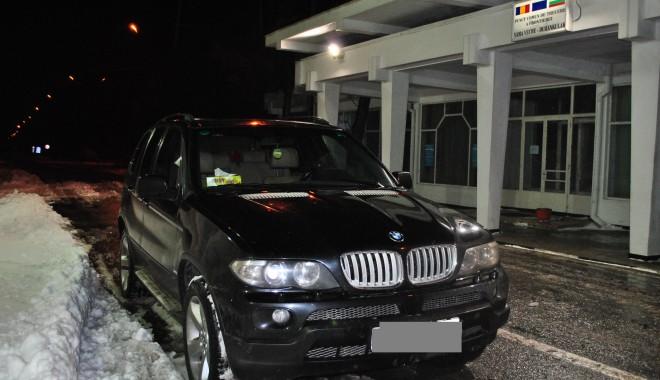 Foto: BMW X5 furat din Slovacia, descoperit în PTF Vama Veche