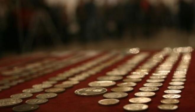 Foto: BNR pune în circulaţie un set de trei monede