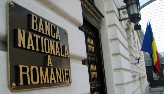 Foto: Veşti proaste pentru români. BNR înăsprește creditarea