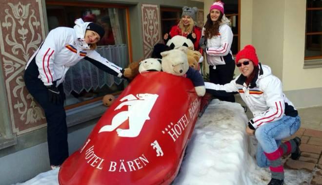 """Foto: """"Vitezomanele"""" de la St. Moritz! Cu bobul pe pârtie, la peste 130 km/h"""