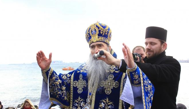 """Foto: Tragedii, sinucideri, tâlhării. IPS Teodosie, chemat să alunge """"spiritele rele""""!"""