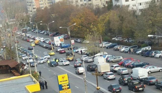 Foto: Accident în zona Boema, din Constanţa. O femeie este în comă