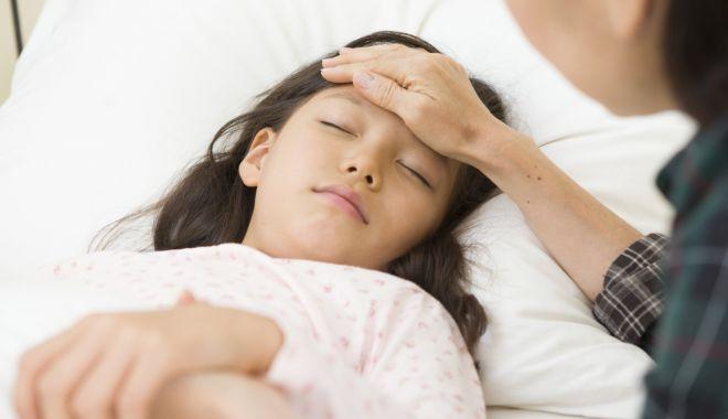 Foto: Medicii avertizează: Reduceţi consumul de dulciuri al copiilor!