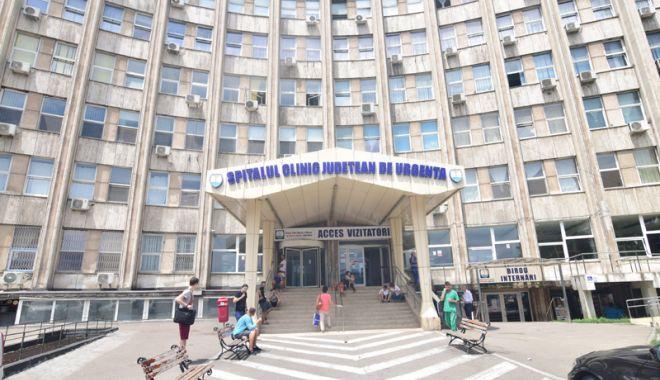 Foto: Spitalul de Urgenţă, luat cu asalt