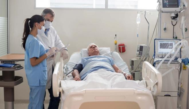 """Foto: O nouă şansă pentru bolnavii de cancer. """"Fiecare zi ce trece ne apropie tot mai mult de moarte!"""""""
