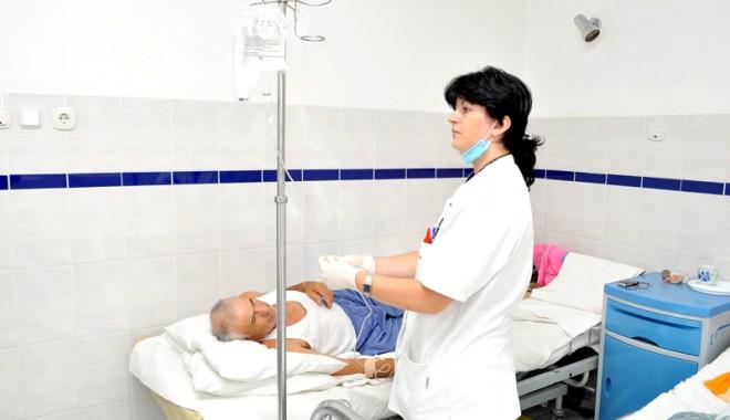 Foto: Ajung la doctor cu moartea de mână