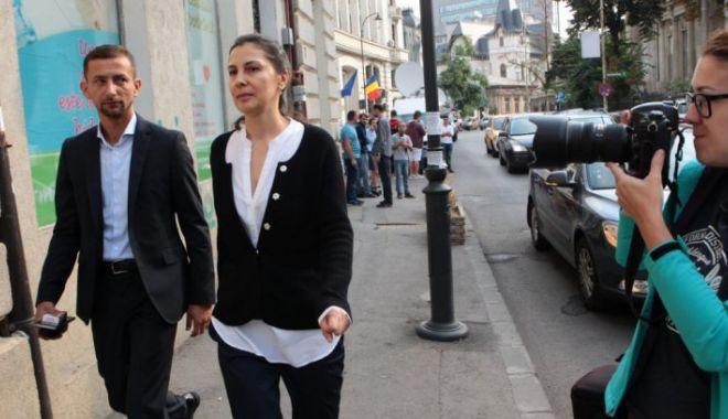 Foto: LOVITURĂ ÎN PROCESUL LUI DRAGNEA. Fosta soţie a achitat prejudiciul!