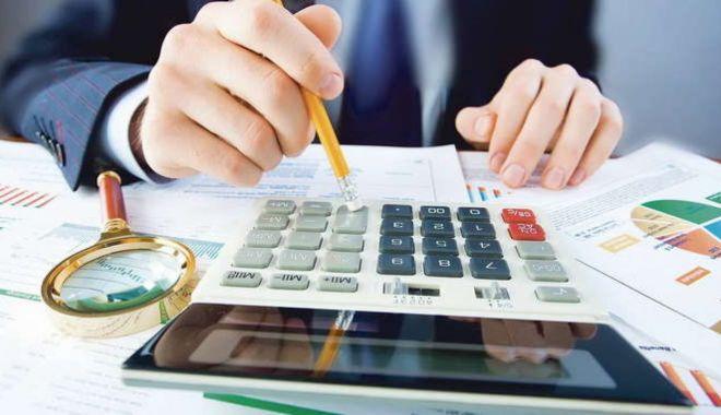 Foto: Bonificații de până la 10% pentru cei ce achită impozitul pe venit și contribuțiile