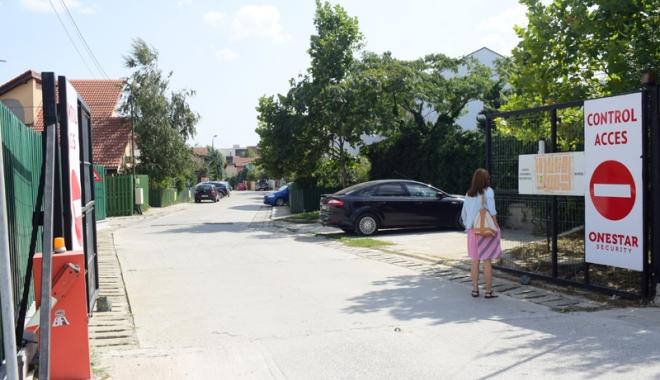 Foto: Locatarii cartierului Boreal,  terorizaţi de manelele din Palazu Mare!