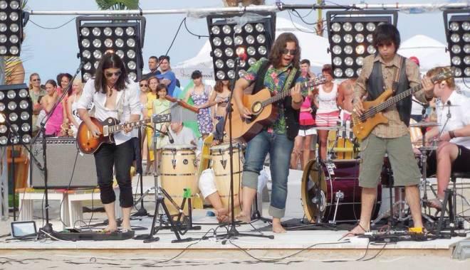 Foto: Bosquito şi Alexandra Uşurelu, în concert pe litoral
