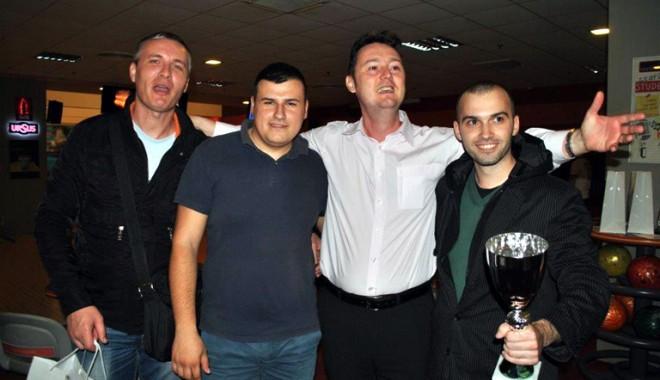 "Foto: ""Cuget Liber"", campioana Cupei Presei la bowling"