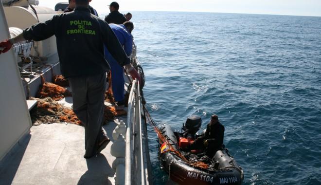 Peste 75 kilograme de pește confiscate de polițiștii de frontieră - braconaj213076529191360065714136-1431426505.jpg