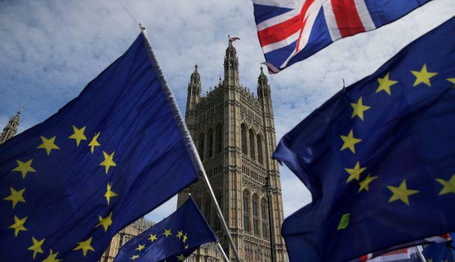 Foto: Aplicaţie prin care cetăţenii europeni din Regatul Unit pot solicita reşedinţă permanentă după Brexit