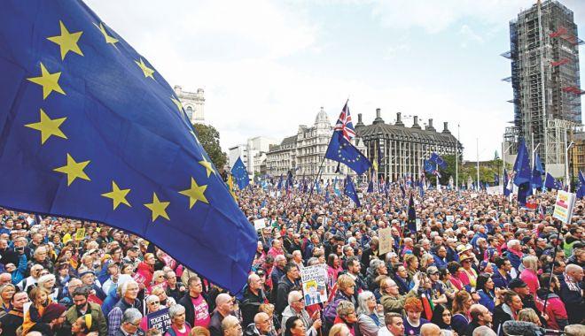 Brexit-ul, amânat cu trei luni, până la 31 ianuarie 2020 - brexit-1572304631.jpg