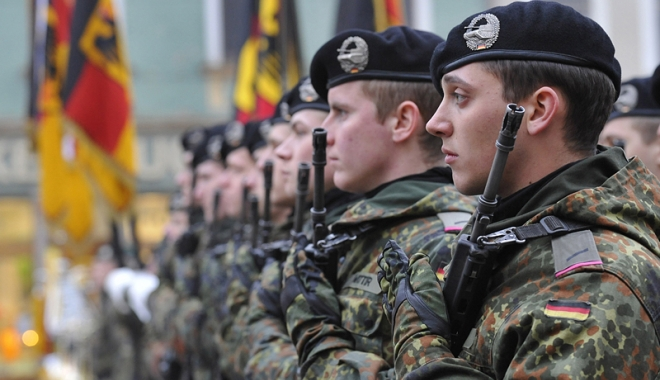 Foto: Dispute politice în Germania privind bugetul Armatei
