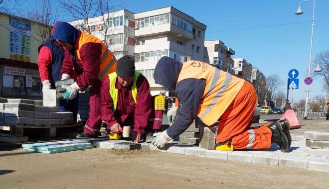 Foto: Grijă mare unde parcați mașina! Lucrări de modernizare pe bulevardul Tomis