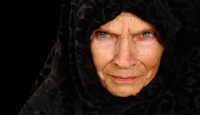 Foto: O bunică şi-a torturat nepoata până ce aceasta a murit în chinuri