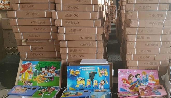 Foto: Jucării şi mobilier pentru copii, confiscate în Portul Constanța