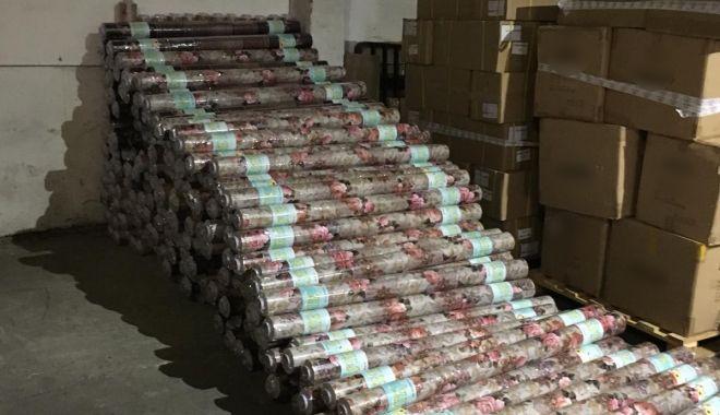 Foto: Bunuri contrafăcute în valoare de peste 180.000 lei, confiscate în Portul Constanţa