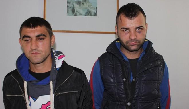 Primarul comunei Ciobanu, Tudorel Gurgu, acuzat că a bătut cu sălbăticie doi tineri - buriupetricaluciancosmabatutidep-1351714186.jpg