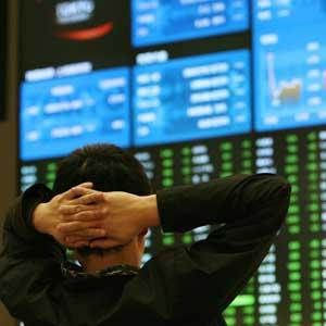 Foto: Preţul acţiunilor Socep şi Rompetrol Rafinare, în scădere pe bursă