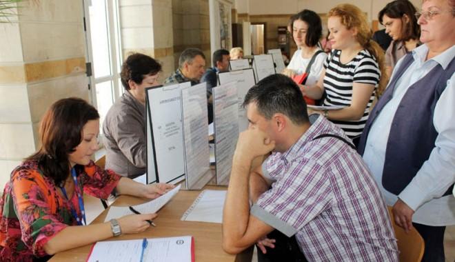 Foto: Se caută soluţii pentru reducerea şomajului