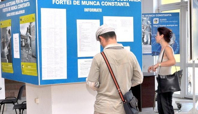 Foto: Oferte de muncă pentru absolvenţi