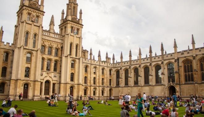 """Foto: Bursier la Oxford de la Universitatea """"Andrei Şaguna"""""""