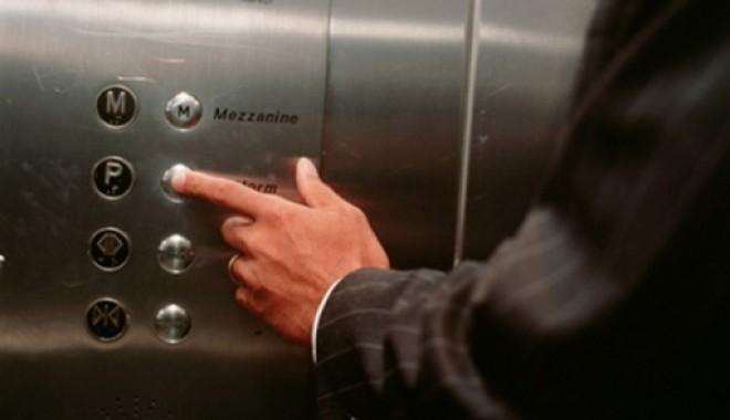 Butoanele de la lift, mai infecte decât colacul unui WC public - butoanelift-1346701648.jpg