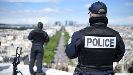 22 de suspecţi, arestaţi într-o operaţiune de destructurare a unei vaste grupări de crimă organizată - bweuropol-1558529001.jpg