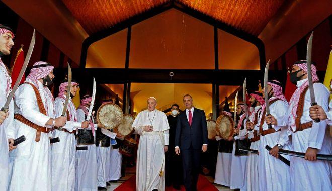 GALERIE FOTO / Cum a fost întâmpinat Papa Francisc în Irak - c2g9odfhzjmxmmninda5y2vlntm5ntbm-1615018147.jpg