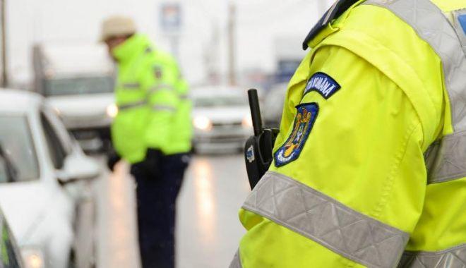 Bărbatul căutat de polițiști pentru că a intrat în toaleta fetelor de la un liceu s-a predat - c2g9yzvlndgymjjlywizzdiymza3y2zk-1573129204.jpg