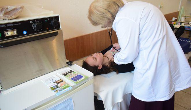 Medicină școlară cu aparatură din vremea bunicii! - cabinetescolare2-1521740288.jpg