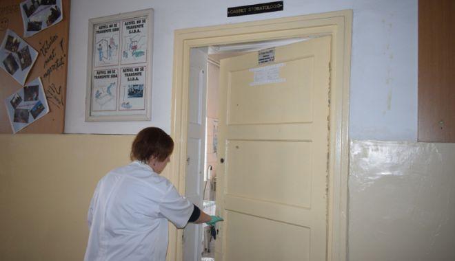 Medicină școlară cu aparatură din vremea bunicii! - cabinetescolare6-1521740316.jpg