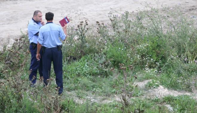 Foto: S-a sinucis de… frică? Cadavrul unui cioban, găsit pe câmp