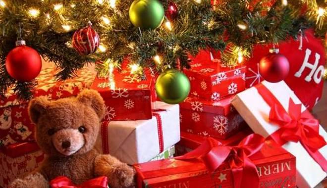 Foto: Ce buget  au românii  pentru cadourile de Crăciun