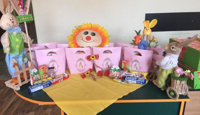 Foto: Surpriză pentru copiii din grădiniţele constănţene