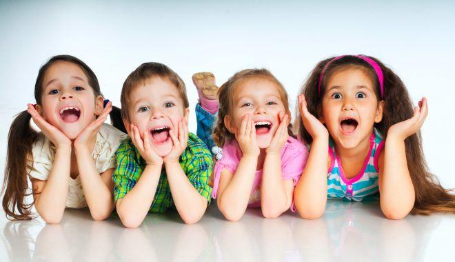 Foto: Cadouri pentru copiii din centrele de plasament
