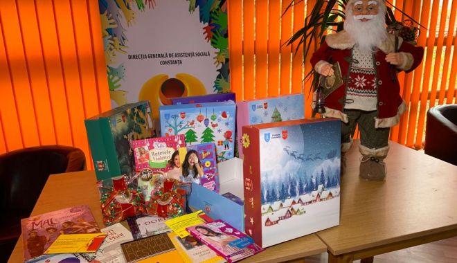 Primăria începe distribuirea cadourilor de Crăciun, pentru copilașii din Constanța - cadouri1-1575029321.jpg