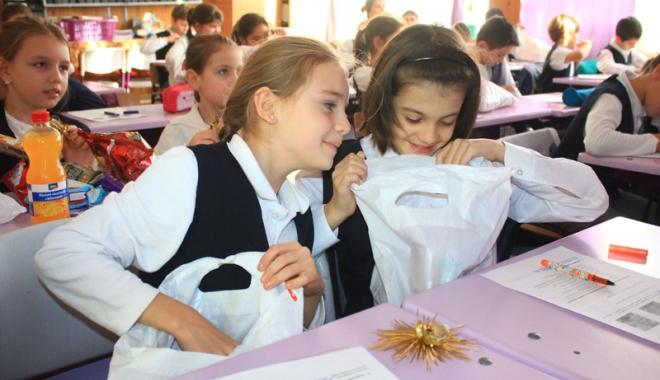 Foto: Copiii constănţeni primesc şi anul acesta daruri de la autorităţile locale
