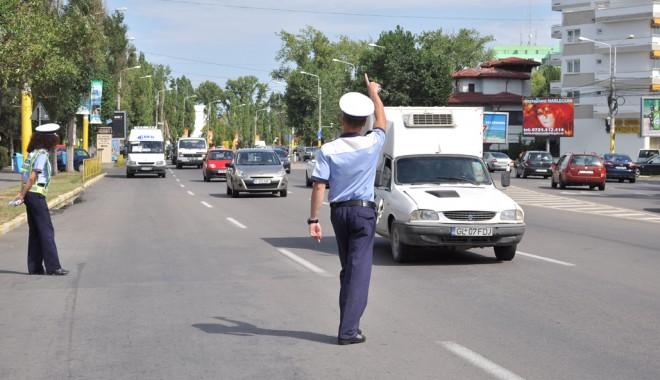 Foto: Călcaţi prea tare pedala de acceleraţie?  Poliţia Rutieră e pe fază!