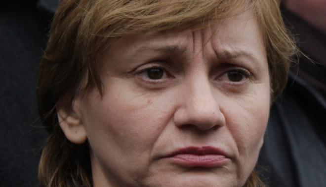 Ce reprezentante ale sexului frumos intră în lupta electorală din Constanţa - cameliaplesca-1352827201.jpg