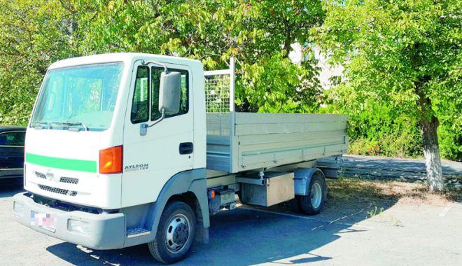 Camion furat din Belgia, descoperit la Constanţa - camionfurat-1537371215.jpg