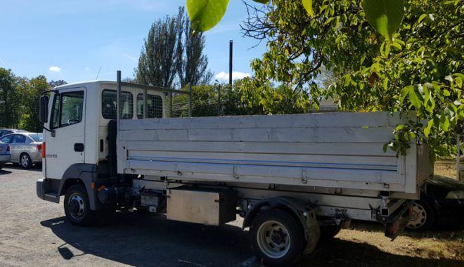 Camion furat din Belgia, descoperit la Constanţa - camionfurat1-1537371228.jpg