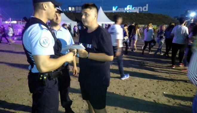 Jandarmii vă avertizează. Atenţie la buzunare! - campanie-1530891370.jpg