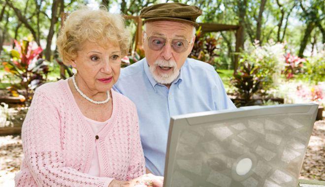 Vreți să faceți o faptă bună? Cum puteţi ajuta bătrânii singuri