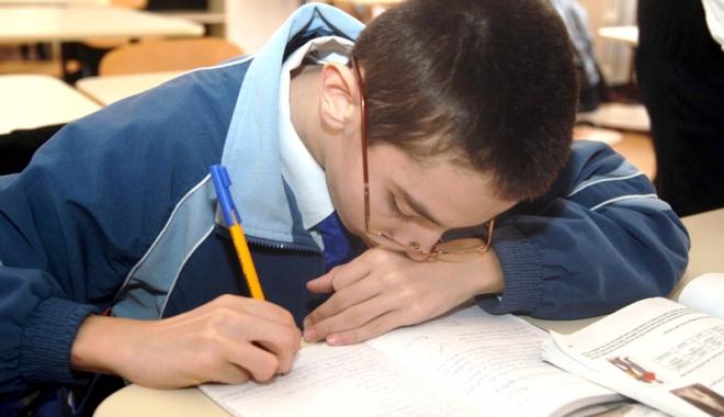 Foto: Mihai Mărgineanu îi ajută pe copiii bolnavi de autism