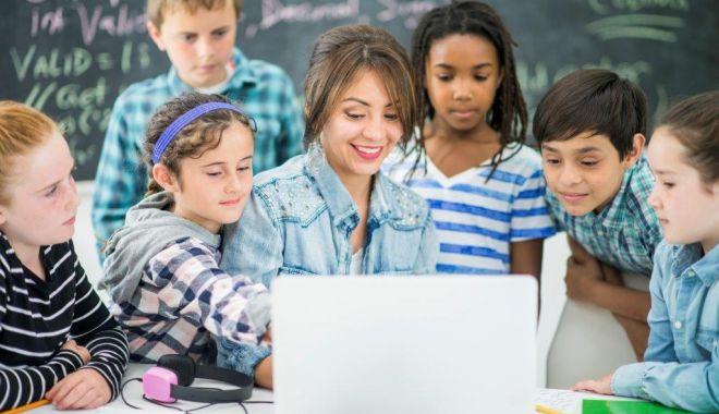 Campanie naţională de educaţie digitală a profesorilor - campanienationala-1620329436.jpg