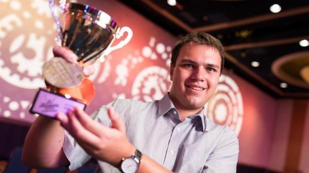 Foto: Un elev român este noul campion mondial la Microsoft Word