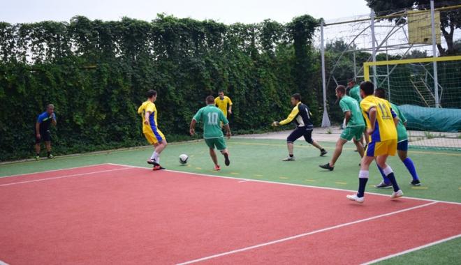 Campionatul Intern de mini-fotbal al SLN. Cine este noua campioană - campionatul1-1501088013.jpg